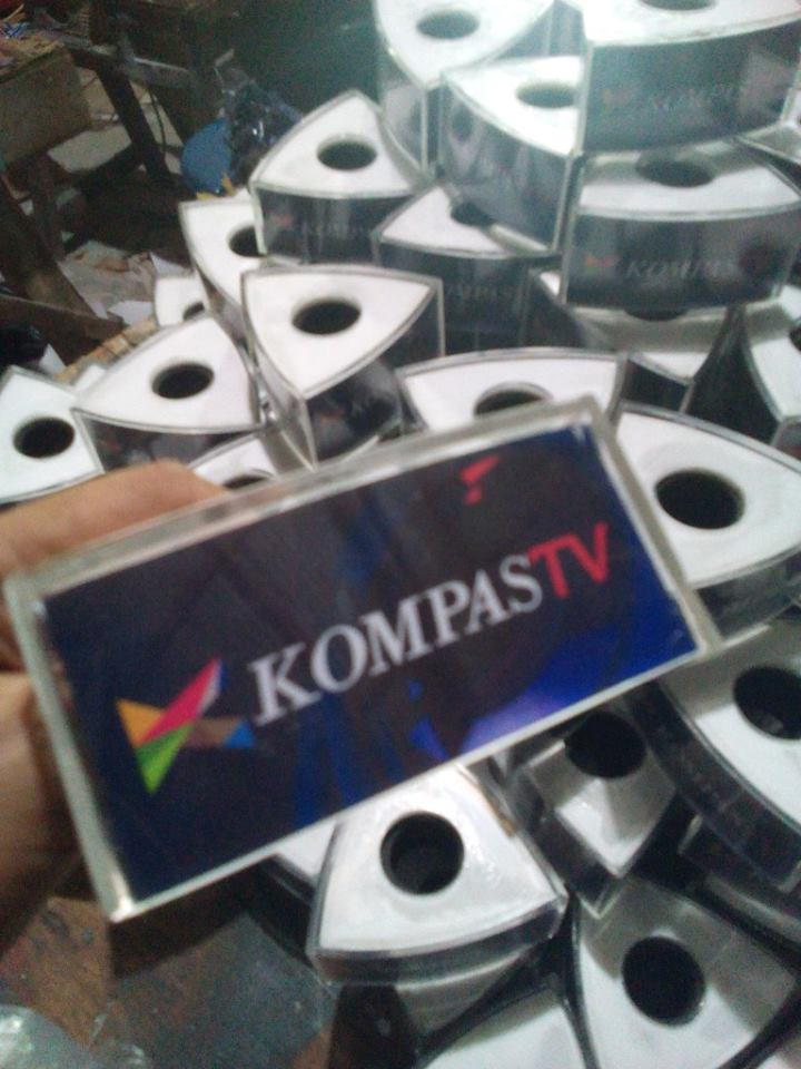 Mic Up Acrylic KompasTV