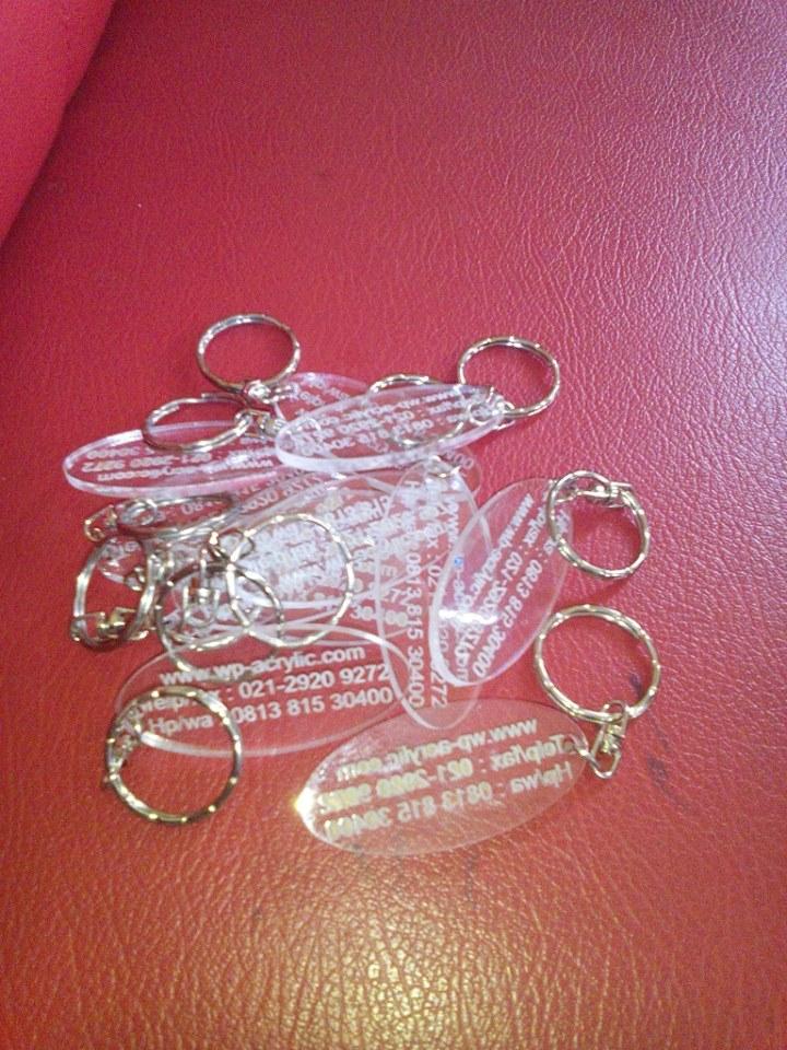 gantungan kunci acrylic